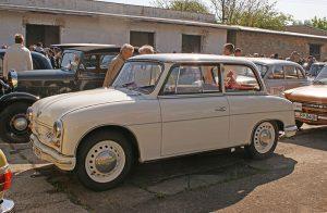 """PKW P 70 Limousine mit Duroplast-Karosserie bei der """"Via Regia"""" in Markranstädt"""
