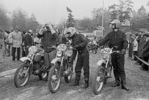 """MZ ETS 250/G 5 div. Baujahre am Start zur Geländefahrt """"Rund um Nordhausen"""", 1982, Foto: Rainer Schäfer"""