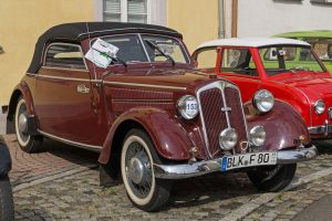 F 8 Cabriolet beim Young- und Oldtimertreffen in Pegau, Sachsen, 2016