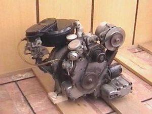 Einscheiben-Wankelmotor mit Aggregaten