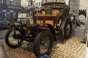 Wartburg Motorwagen Typ II Baujahr 1899 in der Automobilen Welt in Eisenach