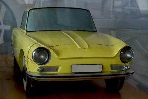 P 100 Coupé Modellin der Automobilen Welt Eisenach