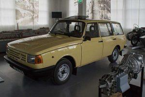 Prototyp Wartburg-Tourist mit längs eingebautem VW-Motor