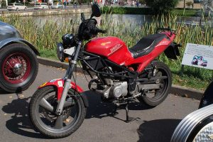 Schikra 125 als naked bike
