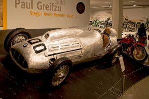 """Original des """"Greifzu-Fahrzeug 2"""", das nach dem tödlichen Unfall 1952 wieder aufgebaut wurde, Fahrzeugmuseum Suhl"""